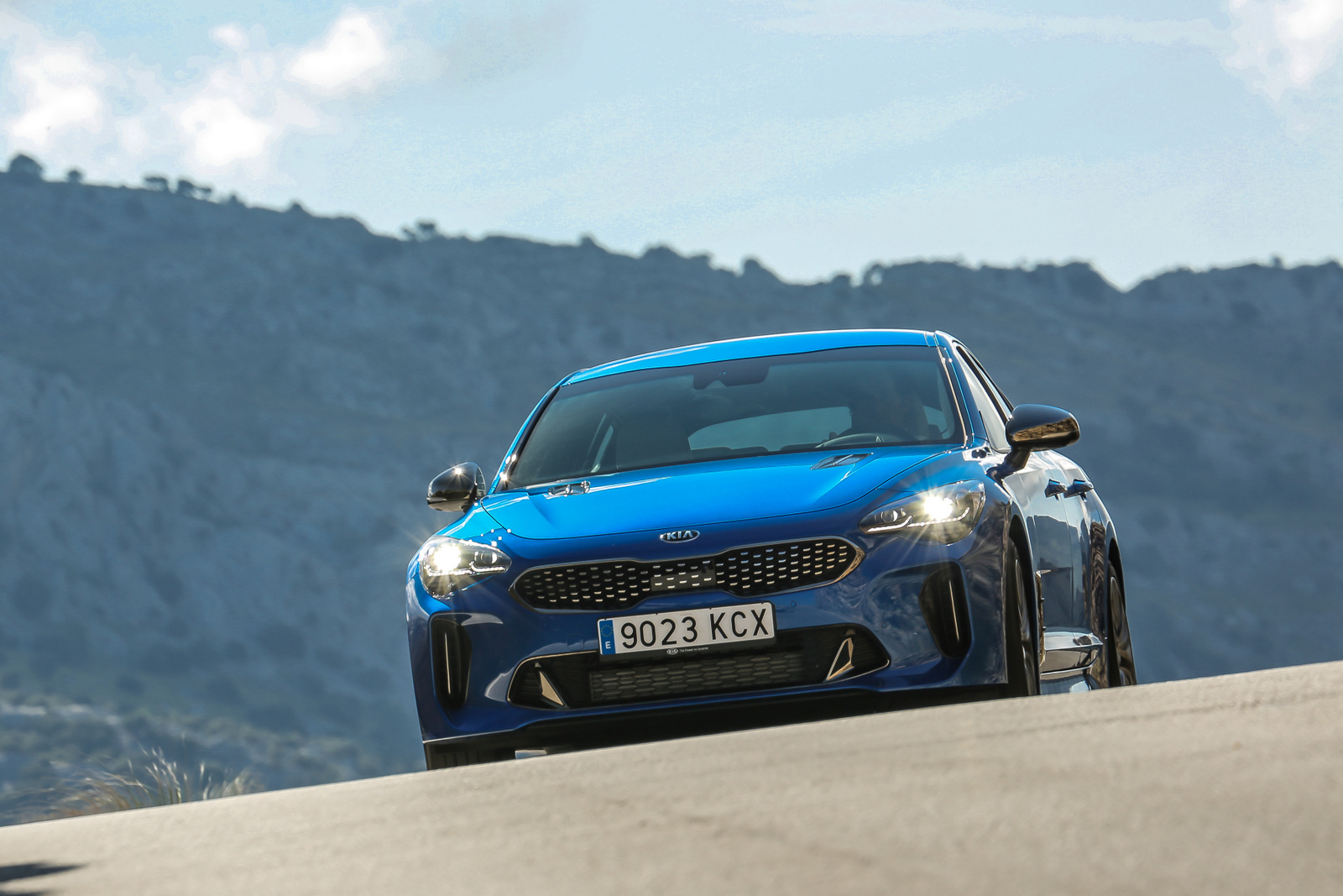 Circuito Kia 2017 : Drive kia stinger video review by bob flavin european launch