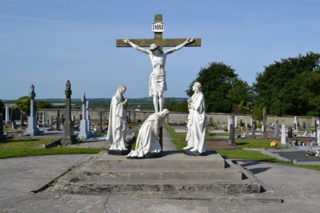 Footpath updates called on for Raheen Cemetery
