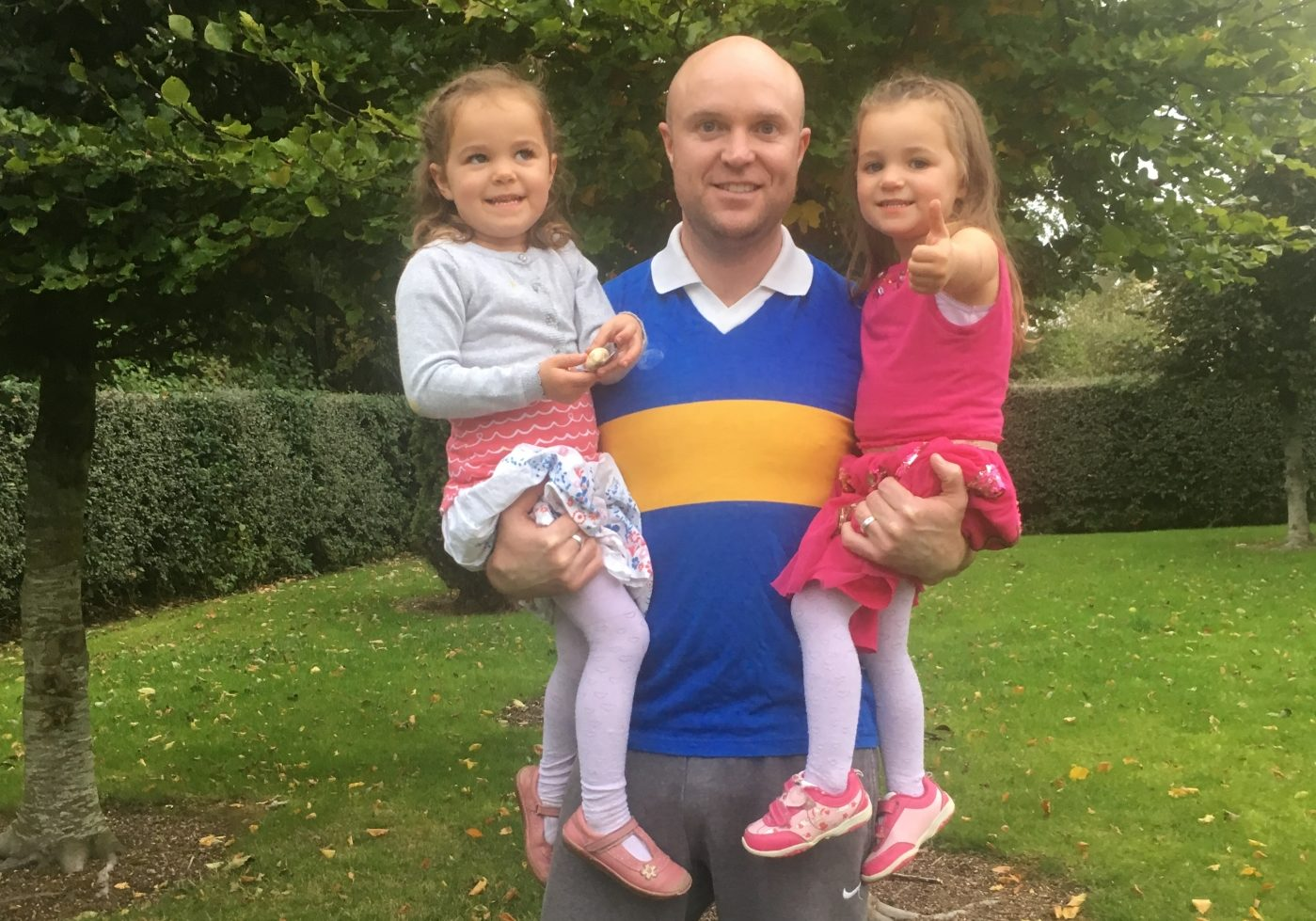 O Dempseys manager Ross Behan getting ready for the final with my twin girls Sophie and Isabelle Behan