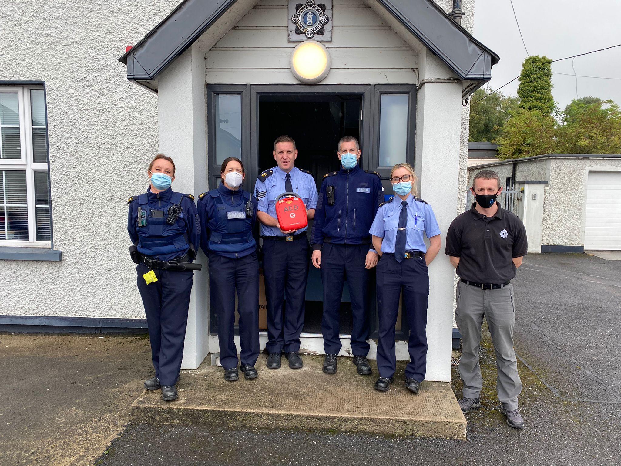 Mountmellick Garda Station Defibrillator (1)